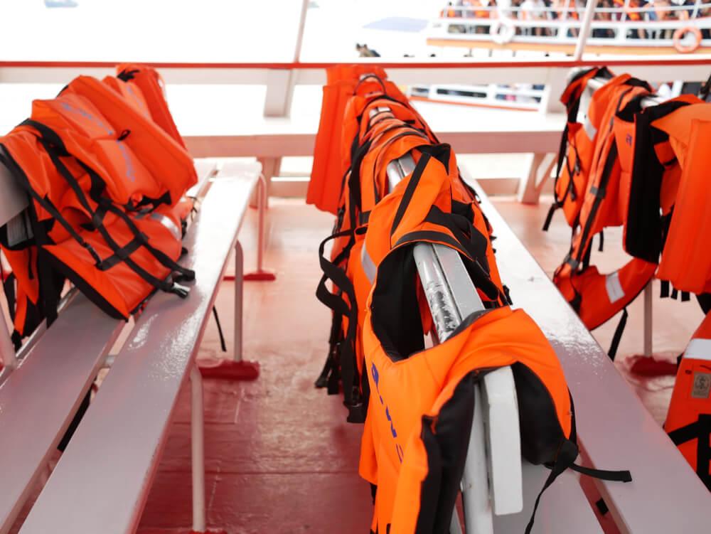 sigurnosna oprema za plovila Tehnonautika 2